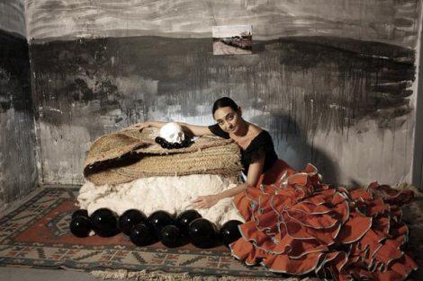 """Laura, hermana, hermosa, herida"" Impresión digital siliconada sobre metacrilato, 2008"