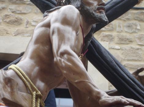 Un Cristo con brazos de gimnasio