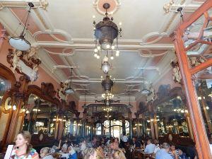 DSCN0378 Café Majestic
