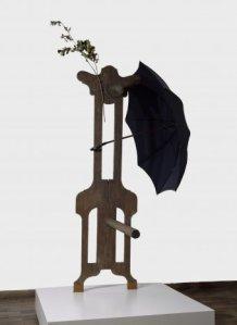 personaje con paraguas